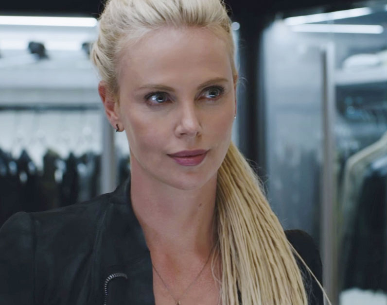 Charlize Theron y los Diamantes eternos
